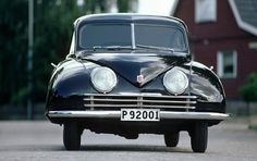 Saab 92 was an automobile from Saab. The design was very aerodynamic for its time, and the cW value (drag coefficient) was (the same as a Porsche 996 and better than the Ferrari Darth Vader, Vintage Cars, Antique Cars, Saab Automobile, Gilles Villeneuve, Love Car, Dieselpunk, Old Cars, Rolodex