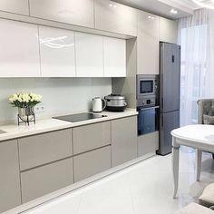 Светлая и красивая! Modern Kitchen Interiors, Luxury Kitchen Design, Kitchen Room Design, Modern Kitchen Cabinets, Home Decor Kitchen, Interior Design Kitchen, Kitchen Furniture, Kitchen Cupboard Designs, Kitchen Modular