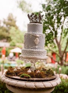 """Rustic gray wedding cake - I would make some minor changes but it has beautiful """"bones""""! French Wedding Cakes, Wedding Cake Images, Country Wedding Cakes, Elegant Wedding Cakes, Beautiful Wedding Cakes, Gorgeous Cakes, Pretty Cakes, Dream Wedding, Amazing Cakes"""