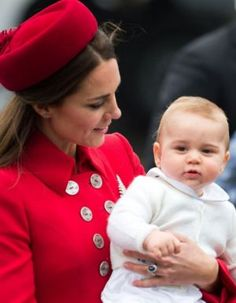 Prince George of Cambridge with his mother Kate Middleton - arriving NZ royals 2014.jpg