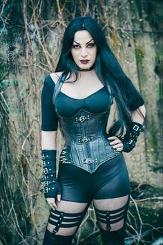 Model: Kali Noir Diamond Photo: Vanic Photography Welcome to Gothic and Amazing Hot Goth Girls, Punk Girls, Gothic Girls, Gothic Chic, Goth Beauty, Dark Beauty, Dark Fashion, Gothic Fashion, Style Fashion