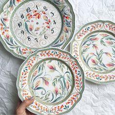 WEBSTA @ anastasia_ropalo - Какой-то совсем сегодня день не очень( пусть хотя бы тарелки будут жизнерадостные. #авторскаяработа
