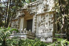 Replica de fachada de Templo Maya - Museo Nacional de Antropología.