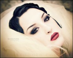 Comment gatsby and vid os on pinterest - Maquillage annee 20 ...