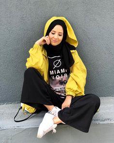 Ölesine 😏 Only Fashion, Fashion 2018, Modest Fashion, Fashion Beauty, Women's Fashion, Ootd Hijab, Hijab Outfit, Ootd Poses, Street Hijab Fashion