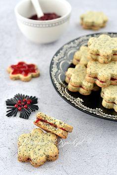 Ciasteczka makowe Cookies, Christmas Stuff, Oven, Food Portions, Food Food, Christmas, Crack Crackers, Christmas Things, Biscuits
