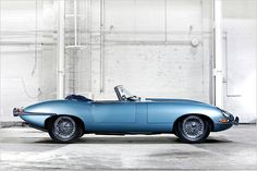 1969 Jaguar XKE Convertible - the second coolest car made by the British! Why were all cool British cars made by Jaguar? Luxury Sports Cars, Cool Sports Cars, Cool Cars, Sport Cars, Carros Jaguar, Jaguar Xjr, Jaguar E Type, Ford Mustang Gt, Bmw 3 Series