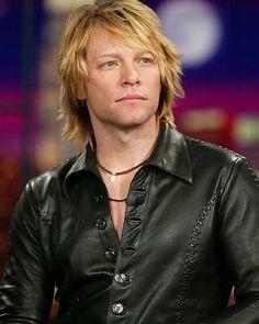 "Jon Bon Jovi at ""The Tonight Show with Jay Leno"" at the NBC Studios in Burbank on December 3, 2002. Bon Jovi Live, Jon Bon Jovi, Hot Blondies, Rock And Roll Fantasy, Crazy Fans, Tonight Show, Some People Say, Dream Team, True Love"
