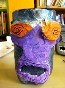 Robot Pot modelmaking, recycling old plastic bottles Robot Crafts, Desk Tidy, Ways To Recycle, Recycle Plastic Bottles, Shot Glass, Recycling, Colours, Projects, Design