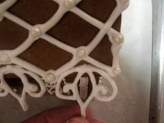 Making Flourishes with Royal Icing for gingerbread houses