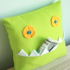 Monster Tooth Fairy Pillow - easy to sew tutorial for beginners - links to 15 other easy to sew beginner seamstress projects
