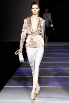 Giorgio Armani Spring 2012 Ready-to-Wear Fashion Show - Yulia Kharlapanova