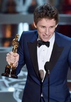#EddieRedmayne wins the 2015 Best Actor Oscar for his performance in The Theory of Everything.