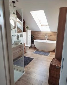 Discover recipes, home ideas, style inspiration and other ideas to try. Attic Bedroom Designs, Attic Rooms, Bathroom Design Small, Bathroom Interior Design, Easy Home Decor, Cheap Home Decor, Interior Simple, Loft Bathroom, Bathroom Design Inspiration