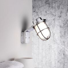 Marine Styled Wall Light in Polished Chrome