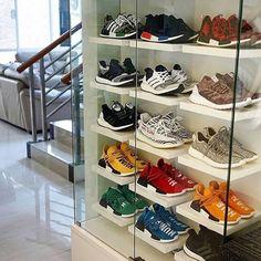Shoe storage 28 Modern Shoes Closet Ideas for Men Closet Shoe Storage, Shoe Closet, Best Shoe Rack, Sneaker Storage, Sneaker Rack, Hypebeast Room, Shoe Room, Shoe Display, Skate Wear