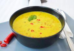 Die Linsen Curry #Suppe ist ein schnelles und einfaches #Rezept, das Lust auf Urlaub macht.