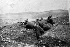 Greek troops on the firing line: Undated photo shot during the Asia Minor Campaign Greek History, Modern History, World War One, First World, Turkish War Of Independence, Hellenic Army, World Conflicts, Go Greek, The Old Days