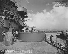 twin Bofors anti-aircraft guns mounts on the (USS North Carolina BB-55) at Pearl Harbor 15th November 1942.