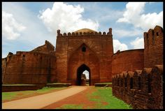 The fort, the city and the district are all affixed with the name Bidar. Sultan Alla-Ud Din Bahman of the Bahmanid Dynasty shifted his capital from Gulbarga to Bidar in 1427 and built his fort along with a number of Islamic monuments. Delhi Sultanate, India Country, Shopping Street, Tourist Places, Karnataka, India Travel, Countries Of The World, Incredible India, Tower Bridge