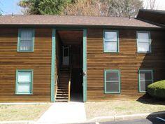 25 Baycrest, Unit 305 South Burlington, Vermont 2 lvl / 2 bed / 1 bath / 968 sq ft $157,500 // $160/month HOA