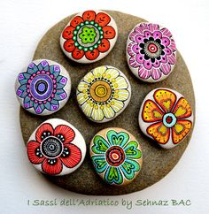 Hand Painted Stone Flowers / Set of 7 stones