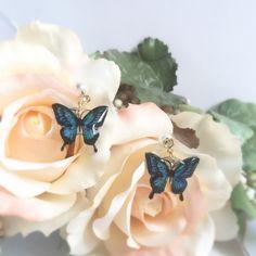 幸せ運ぶ「青い蝶」ピアス(パールキャッチ)                                                                                                                                                      もっと見る