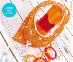 Bandana Style Baby Drool Bibs with Binky Leash - Diy Baby Bibs Pattern, Baby Bibs Patterns, Bib Pattern, Sewing Baby Clothes, Baby Sewing, Baby Bib Tutorial, Diy Bebe, Bandana Styles, Baby Layette