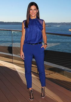 Sandra Bullock #monocromatic #blue