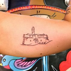 FaroldaBarra#tattoo2me#finelines#axe#salvadormeuamor#salvador#Bahia#tatuagensdelicadas#tatuagensemfotos#tatuagensfemininas#ink#tattoo