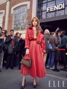 Lee Seonggyeong on Paris Fashion Week Lee Sung Kyung Photoshoot, Lee Sung Kyung Fashion, Lee Sung Kyung Style, Korean Street Fashion, Asian Fashion, Weightlifting Fairy Kim Bok Joo Wallpapers, Korean Fashionista, Shin Se Kyung, Kim Sohyun