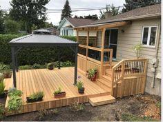old home decor Small Backyard Decks, Decks And Porches, Outdoor Rooms, Outdoor Living, House Deck, Backyard Patio Designs, Home Landscaping, Building A Deck, Balcony Garden