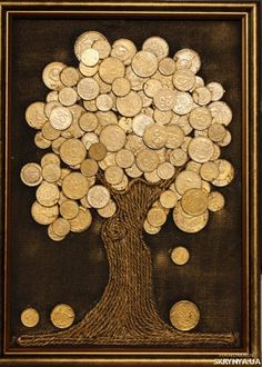 Coffee beans on burlap art great idea for using old coffee beans! Diy Cork, Coin Crafts, Creative Money Gifts, Burlap Art, Coin Art, Money Trees, Art N Craft, Diy Arts And Crafts, Recycled Art