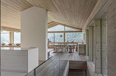 Minimalistischer Regionalismus - Wohnhaus in den Dolomiten