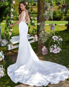 Rochia de mireasa-BRIANA.Colectia THE GARDEN STORY by AMANDA DI VELLI-2020. Bridal Dresses, Wedding Gowns, Amanda, Garden, Collection, Fashion, Bride Gowns, Moda, La Mode