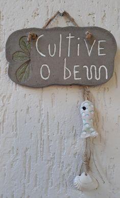 PLAQUINHA DE CIMENTO no Elo7 | ARTECOLÓGICA (EEC32E) House Quilts, E Design, Decoration, Concrete, Mandala, Diy Crafts, Wreaths, Wallpaper, Creative