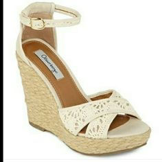 """Espadrilles wedges Perfect for spring. NWT ivory color 5"""" high with 1"""" platform. Olsenboye Shoes"""