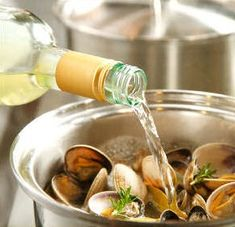 Making Mussels tonight - 3 Ways To Cook Clams & Mussels Like A Pro - Super tasty! I added fresh thyme to mine and it was a great touch. Fish Dishes, Seafood Dishes, Fish And Seafood, Tasty Dishes, Clams Seafood, Clam Recipes, Wine Recipes, Seafood Recipes, Cooking Recipes