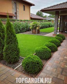 Garden Pond Design, Front Yard Garden Design, Small Garden Landscape, Lawn And Landscape, Garden Pool, Front Garden Ideas Driveway, Front Yard Landscaping, Backyard Pavilion, Backyard Plan