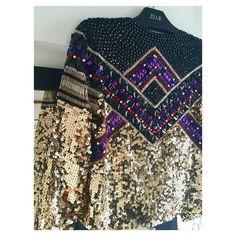 Escolha para cair na pista hoje!  Casaqueto Hendrix da nossa Linha UNIK, super exclusivo e feito com muito carinho. Bordado todo manual com paetês, chatons, spikes, mix de pedrarias e strass. Uma peça para guardar para sempre, tipo joia  www.joulik.com.br/shop ou whats (11)97638.6004 #joulik #linhaunik #handmade #embroidery