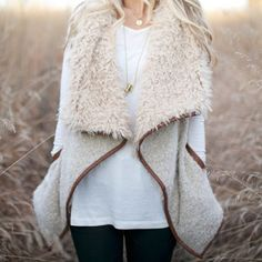 sherpa vest – shophearts - Knit this with boucle yarn with a contrasting color or texture for the collar