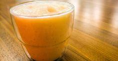 Para preparar um bom smoothie, só é preciso um liquidificador e poucos ingredientes. Nesta receita, melão, iogurte de coco e mel rendem uma bebida deliciosa. Clique na FOTO para ver a receita