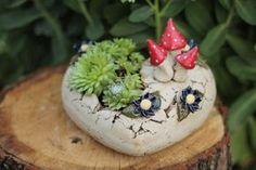 Hand Built Pottery, Slab Pottery, Pottery Bowls, Pottery Ideas, Ceramic Flower Pots, Ceramic Pots, Hanging Succulents, Succulent Pots, Pottery Techniques