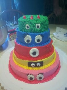 Yo Gaba Gaba I have some little boys that would like this at birthday time !!