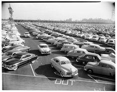 Parking lot, Disneyland on Opening Day, July 1955 Disneyland Opening Day, Parc Disneyland, Disneyland Photos, Disneyland Resort, Walt Disney, Disney Rides, Disney Land, Disney Magic, Dreams