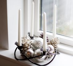 Simple and beautiful christmad decoration Nordic Christmas, Modern Christmas, Christmas Home, Christmas Wreaths, Christmas Ideas, Advent Wreaths, Reindeer Christmas, Holiday Ideas, Unique Christmas Decorations