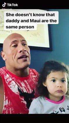 Dwayne Johnson and Daughter Jasmine Johnson singing Moana. Funny Disney Memes, Funny Video Memes, Funny Short Videos, Really Funny Memes, Stupid Funny Memes, Funny Relatable Memes, Funny Memes For Kids, Funny Baby Memes, Cute Funny Babies