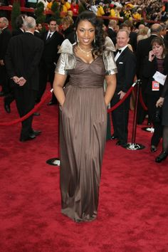 What Makes A Winning Oscar Dress? See What Every Best Actress Winner Wore - Jennifer Hudson won Best Actress In A Supporting Role For Dreamgirls In 2007. She wore A Dress By Oscar De La Renta