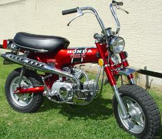 Sold my mini bike and bought this Honda Trail Fun little trail bike with a 3 speed automatic. Drove this thing through the woods it would go pretty much anywhere! Honda Dirt Bike, Honda Bikes, Dirt Biking, Vintage Honda Motorcycles, Old School Motorcycles, Japanese Motorcycle, Retro Motorcycle, Vintage Cycles, Vintage Bikes