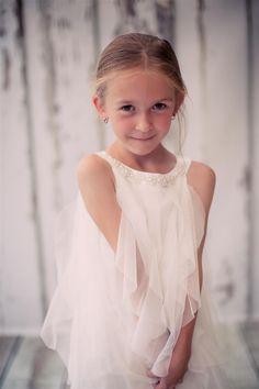 90f91eed90062e BIMARO Mädchen Kleid Lucia weiß Festkleid edler Mesh Volants Perlen festlich  Hochzeit Kommunion Taufe Blumenmädchen –